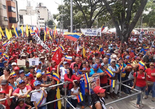 Los venezolanos salen a las calles para protestar contra el bloqueo económico