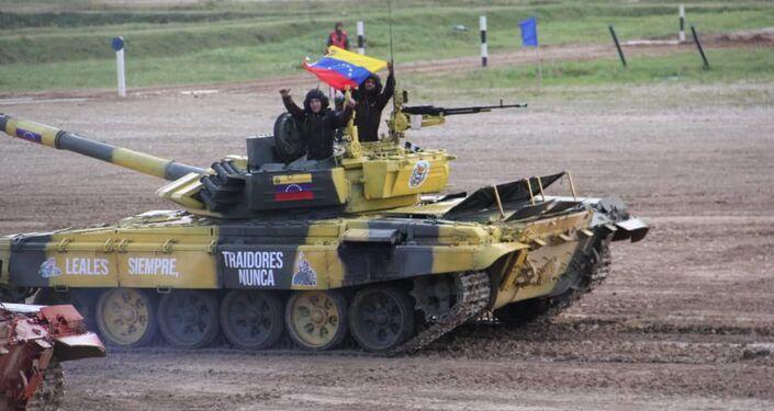 Tanquistas venezolanos participan en el biatlón de tanques en los Juegos Militares Internacionales Army 2019