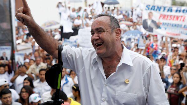 Alejandro Giammattei, candidato a la presidencia de Guatemala - Sputnik Mundo