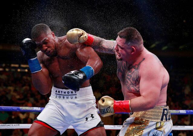 Boxeadores Anthony Joshua y Andy Ruiz