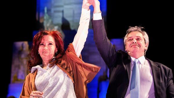 El precandidato a la presidencia de Argentina, Alberto Fernández, junto a la expresidenta y precandidata a la vicepresidencia, Cristina Fernández de Kirchner - Sputnik Mundo