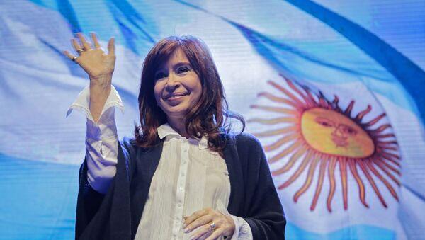 La senadora y expresidenta Cristina Fernández, precandidata a la vicepresidencia de Argentina por la alianza opositora Frente de Todos - Sputnik Mundo