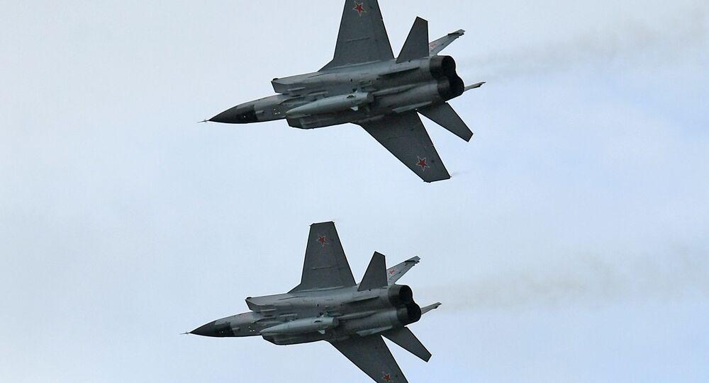 Cazas Mig-31K con los misiles Kinzhal