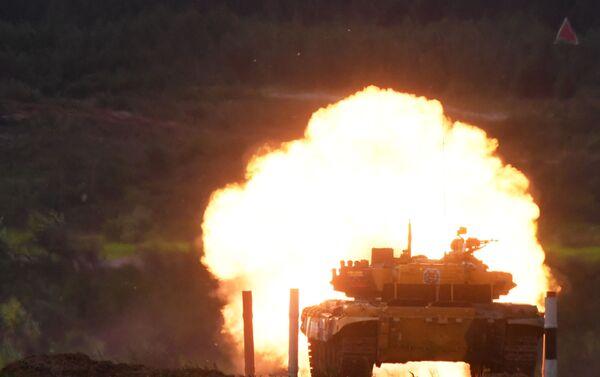 Tanque T-72B3 venezolano en los Army Games 2019 - Sputnik Mundo