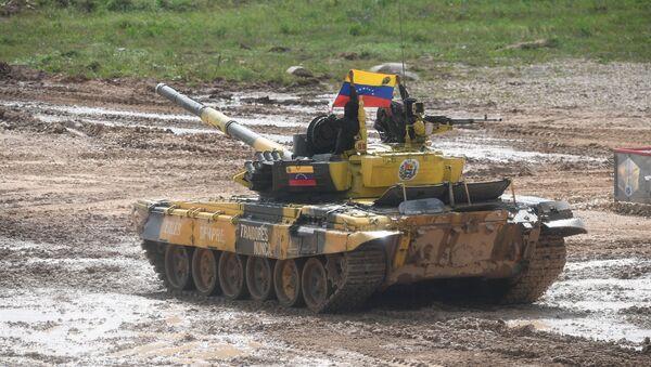 El tanque venezolano T-72B3 durante los Army Games 2019 - Sputnik Mundo