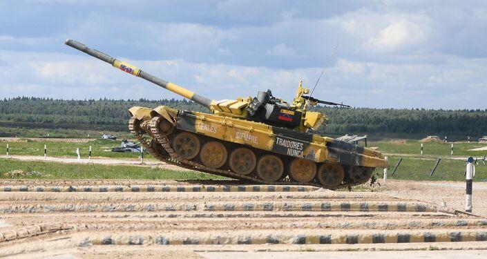 El tanque venezolano T-72B3 en maniobras durante los Army Games 2019
