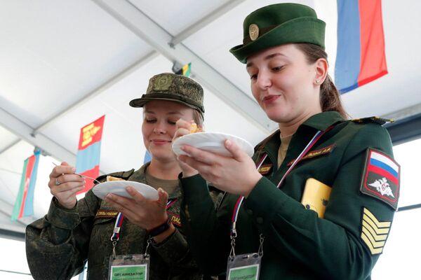 La cara femenina de los juegos Army Games 2019  - Sputnik Mundo