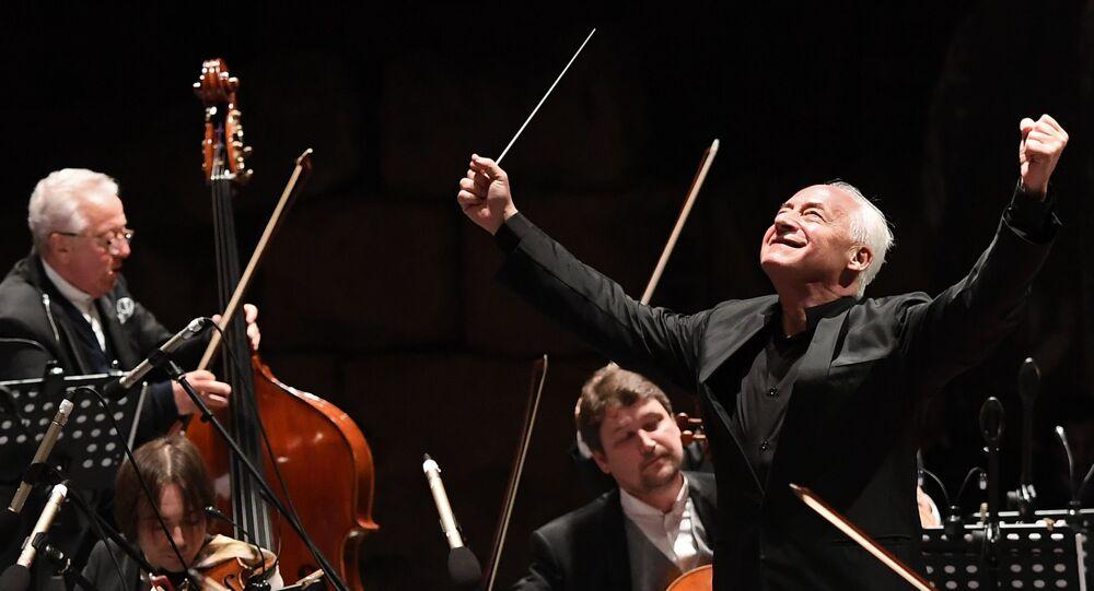 El director de la Orquesta Filarmónica Nacional de Rusia, Vladímir Spivakov