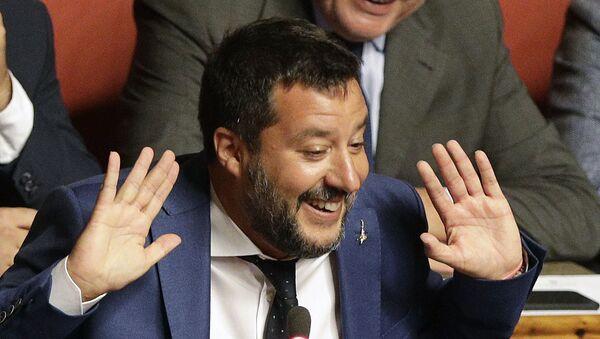 El vice primer ministro italiano, Matteo Salvini - Sputnik Mundo