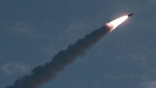 Lanzamiento de un misil norcoreano (Archivo) - Sputnik Mundo