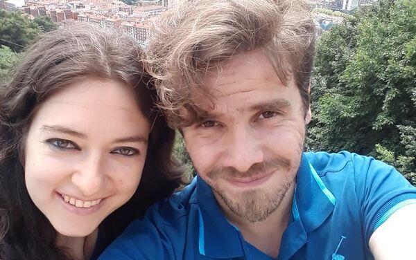 Luis Fader con su esposa Lina - Sputnik Mundo