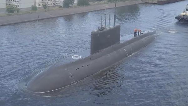 El nuevo submarino diésel-eléctrico ruso hace acto de presencia   - Sputnik Mundo