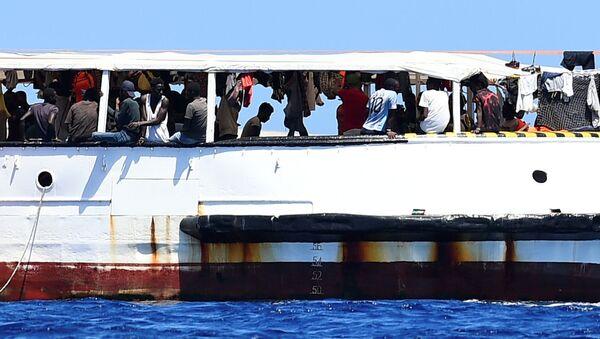 Barco humanitario Open Arms - Sputnik Mundo