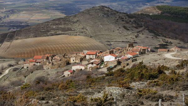 Un pueblo abandonado en España - Sputnik Mundo