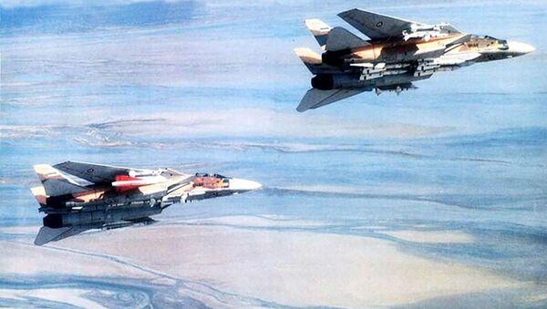 Истребитель Grumman F-14 Tomcat иранских ВВС  - Sputnik Mundo