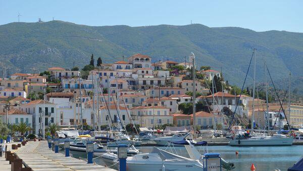 La isla griega de Poros - Sputnik Mundo