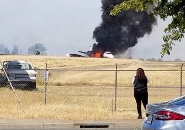 Un avión estalla en llamas tras un despegue abortado en California (archivo)