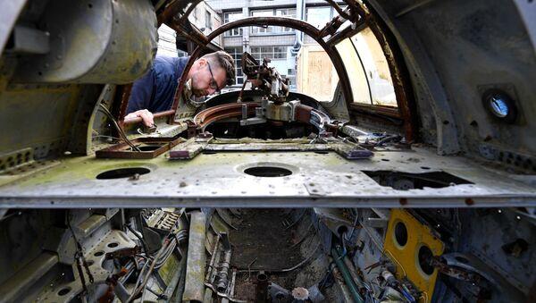 Разобранный бомбардировщик времен Второй мировой войны Ту-2 - Sputnik Mundo