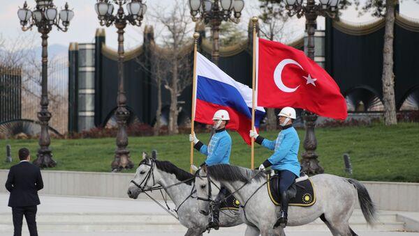 Las banderas de Rusia y Turquía - Sputnik Mundo