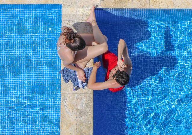 Una piscina, imagen referencial