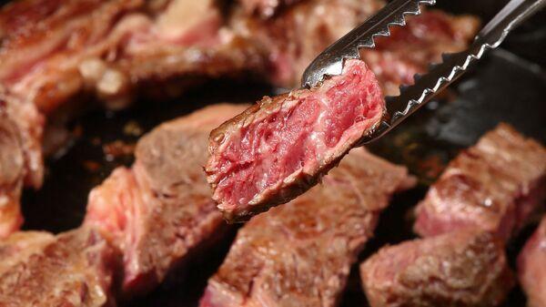 La carne de res (imagen referencial) - Sputnik Mundo