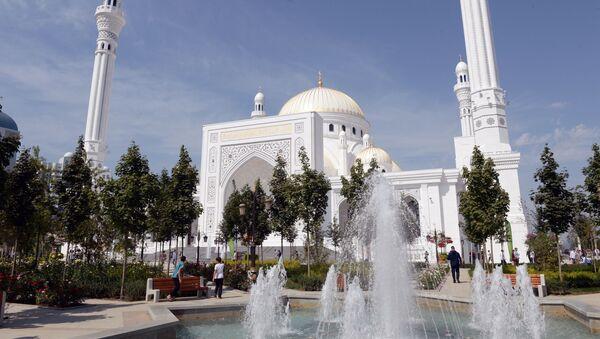 La mezquita más grande de Europa - Sputnik Mundo