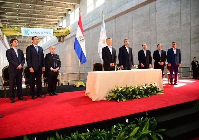 El presidente de Argentina, Mauricio Macri, y el presidente de Paraguay, Mario Abdo Benítez