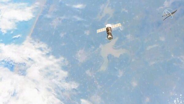 La nave con el androide ruso Fedor falla en acoplarse con la EEI - Sputnik Mundo