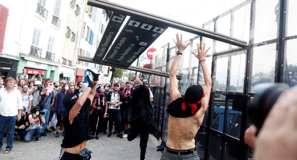 Protestas contra el G7 en Bayona, Francia