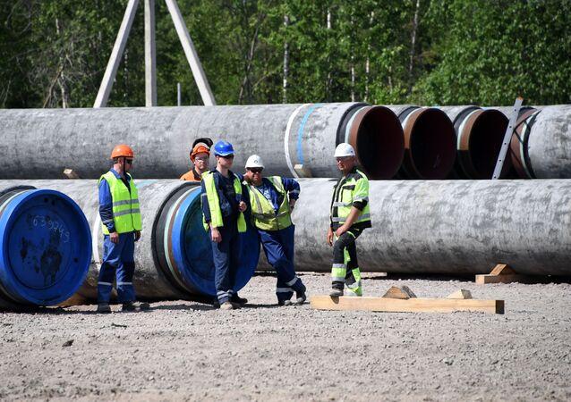 Los trabajodes durante la construcción del Nord Stream 2