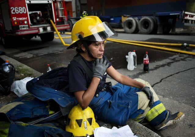 Una bombero argentino (archivo)