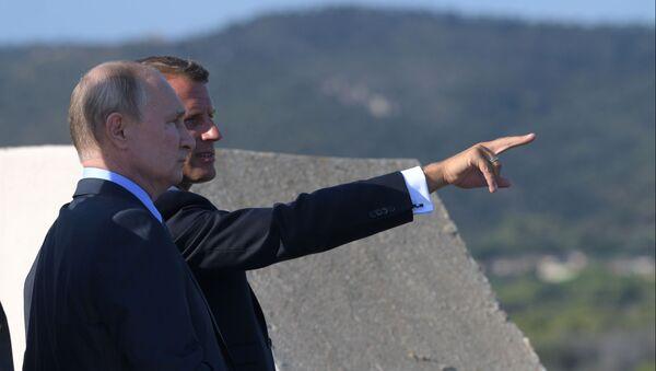 Presidente de Rusia, Vladímir Putin, y presidente de Francia, Emmanuel Macron - Sputnik Mundo