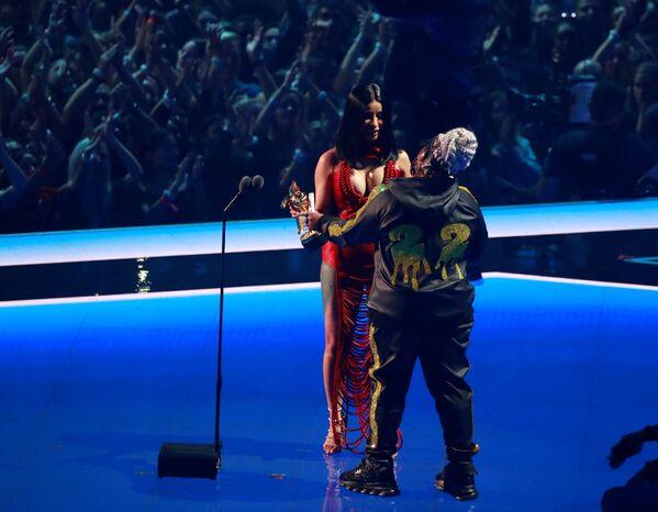 Estrellas en los premios MTV Video Music Awards 2019  - Sputnik Mundo