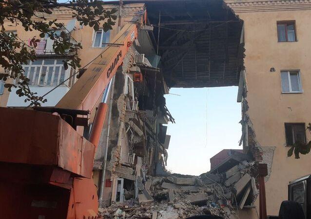 Consecuencias de explosión en un edificio residencial de la ciudad ucraniana de Drohobich