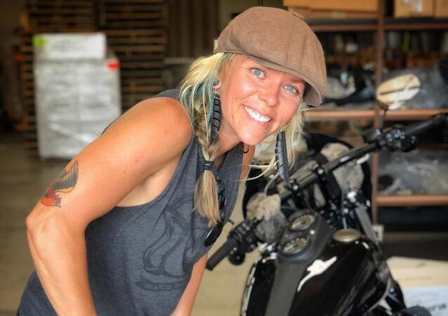 Jessi Combs, piloto de carreras estadounidense