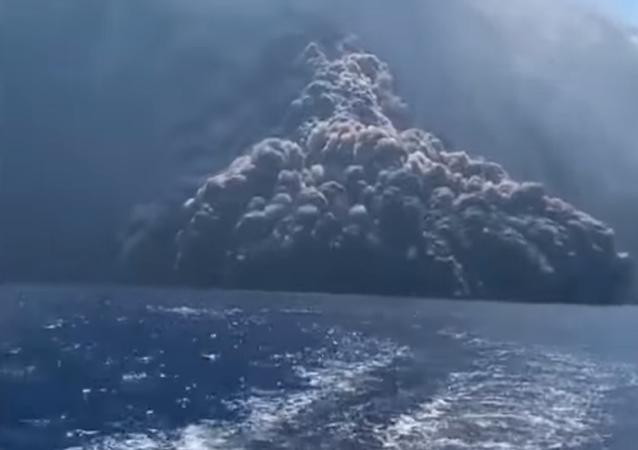 La erupción del volcán Estrómboli