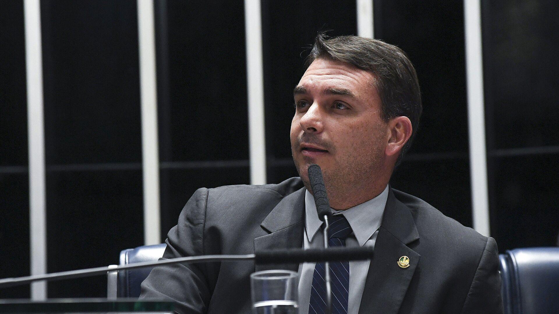 Flávio Bolsonaro, hijo de Jair Bolsonaro y senador de Brasil - Sputnik Mundo, 1920, 02.03.2021