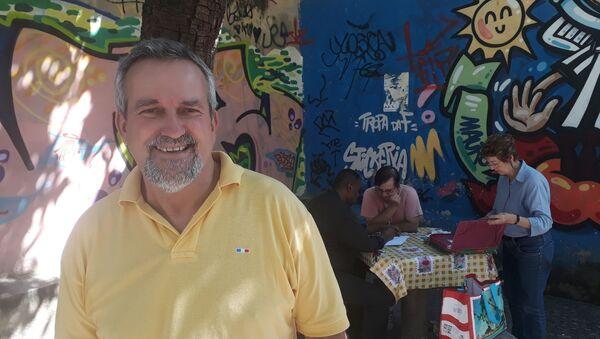 Profesor Silverio, creador de Adopte un alumno - Sputnik Mundo