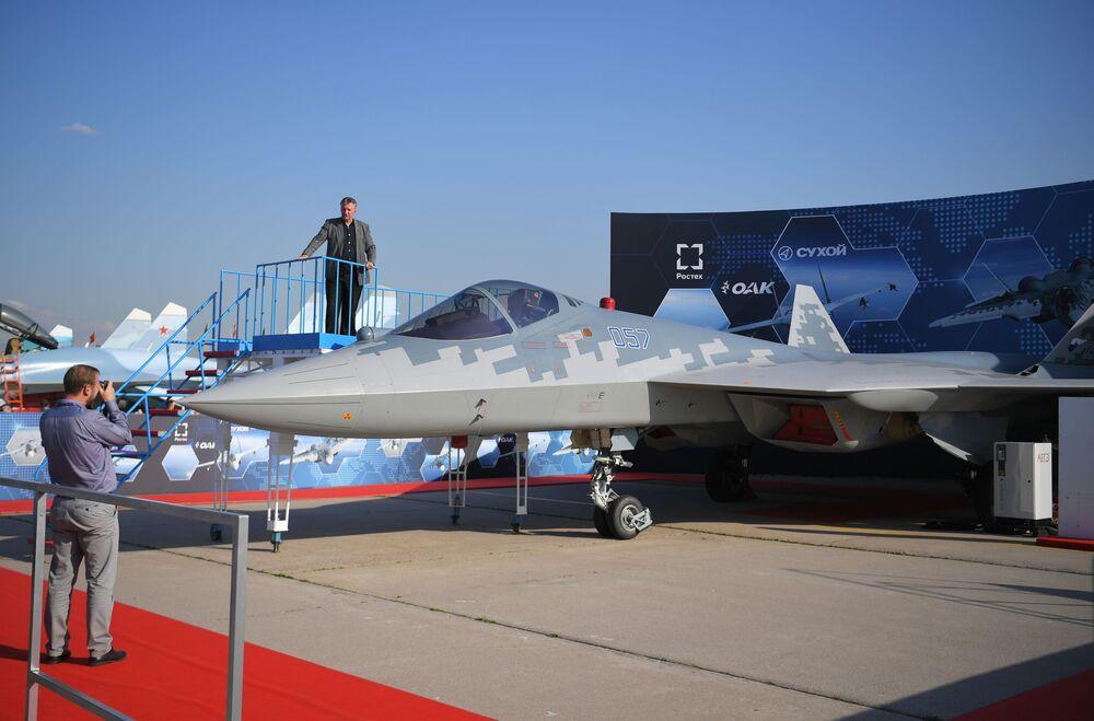 El caza Su-57 en la exposición estática en MAKS 2019
