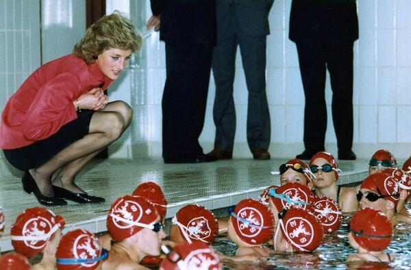 La princesa de corazones: Lady Di, como nunca la habías visto - Sputnik Mundo