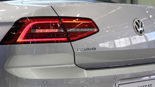 Un Volkswagen Passat - Sputnik Mundo