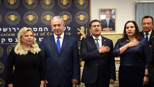 El primer ministro de Israel, Benjamín Netanyahu, y el presidente de Honduras, Juan Orlando Hernández, junto a sus mujeres - Sputnik Mundo