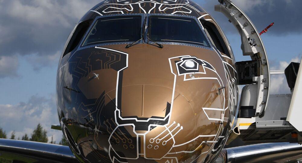 Avión 195-E2 Profit Hunter de Embraer