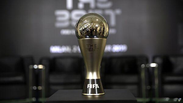 El premio The Best que otorga la FIFA al mejor jugador de la pasada temporada - Sputnik Mundo