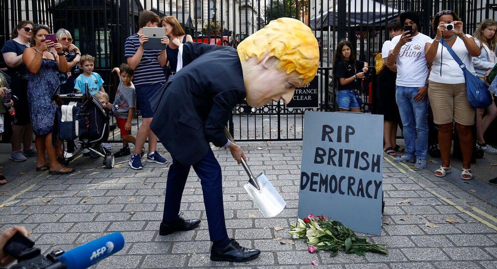 Protestas contra la decisión del primer ministro británico , Boris Johnson, de suspender el Parlamento