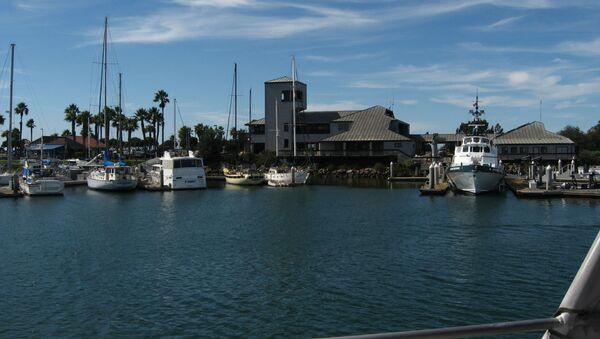 Unos barcos en el contado de Ventura, California, EEUU (imagen referencial) - Sputnik Mundo