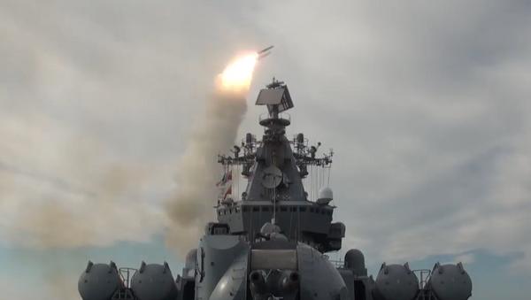 Así repele el ataque enemigo la Flota del Pacífico de Rusia - Sputnik Mundo