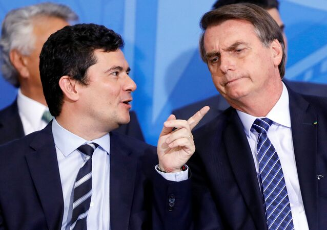 El ministro de Justicia de Brasil Sergio Moro y el presidente brasileño Jair Bolsonaro