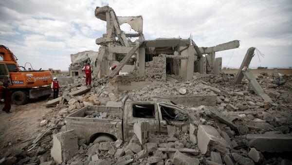 Consecuencias de un bombardeo de una cárcel en Yemen  - Sputnik Mundo