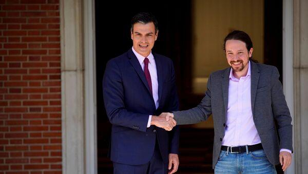 Presidente del Gobierno español en funciones, Pedro Sánchez, y secretario general de Podemos, Pablo Iglesias - Sputnik Mundo